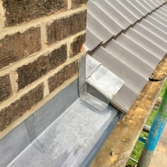 https://www.bluedotroofing.uk/wp-content/uploads/2018/01/bluedot-roofing-re-roof-marton-2-540x540.jpg