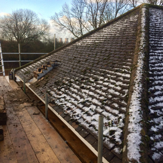 https://www.bluedotroofing.uk/wp-content/uploads/2018/01/bluedot-roofing-re-roof-marton-4-540x540.jpg