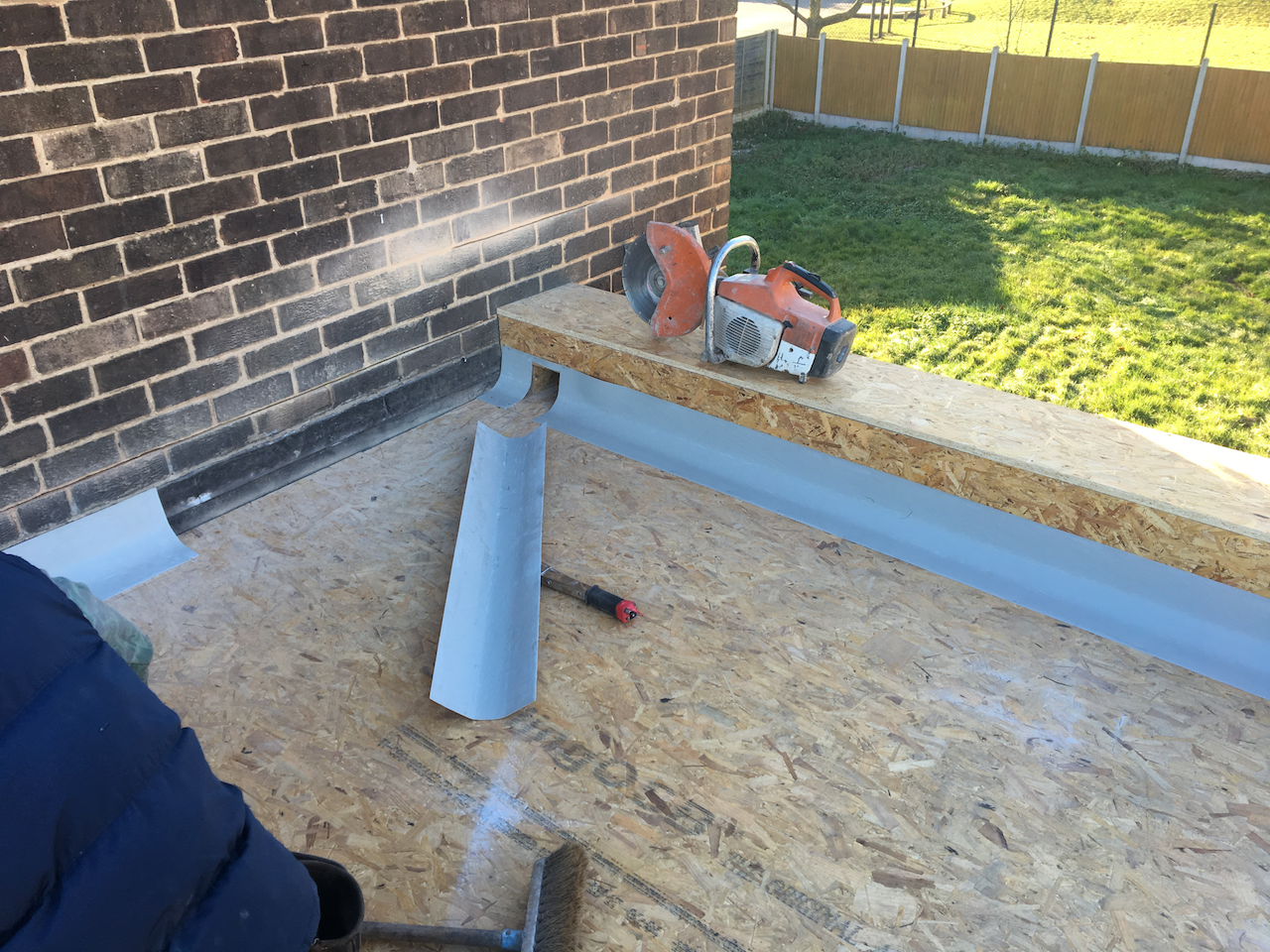 https://www.bluedotroofing.uk/wp-content/uploads/2018/02/grp-flat-roof-marton-lincolnshire-3.png